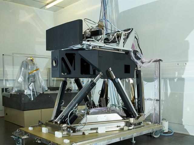 Hexapode SYMETRIE spécifique haute précision, rigidité et stabilité pour les satellites MTG