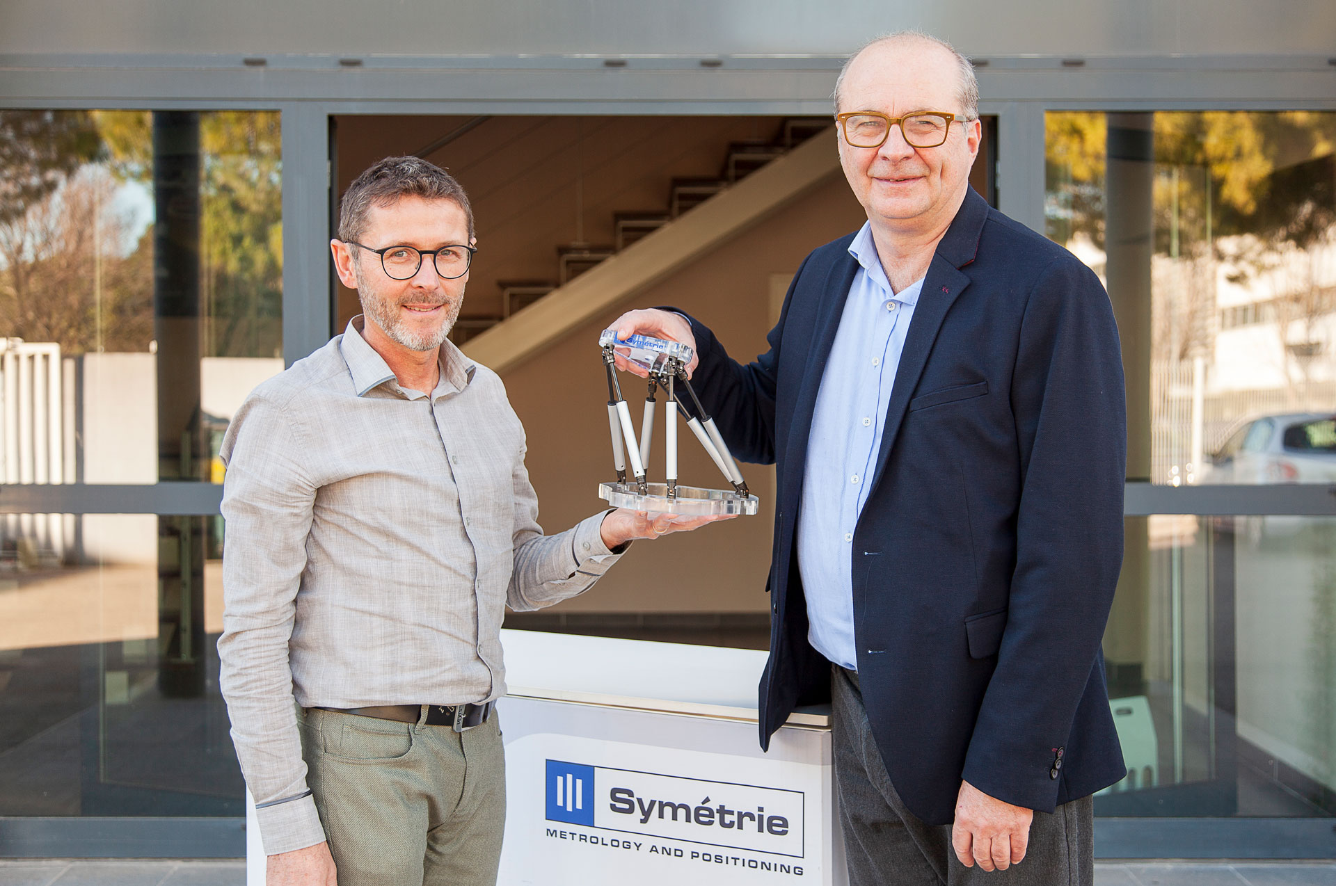 Who are we? Symétrie experts in metrology and positioning